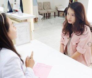 Aug 11, 2019Hi ! Sekitar 2 minggu lalu aku pernah share kalau aku nyobain Blue Light Facial di Kusuma Beauty Clinic. Disini aku juga konsultasi loh soal permasalahan kulitku dengan dokternya. Dokternya baik banget hihiOh ya, just wanna let you know kalau aku udah publish reviewnya di blogku #sprinkleofraindotcom. Yeay !Jangan lupa di cek yaa hihi.#KusumaBeautyJourney #KusumaBeautyClinic #KlinikKusuma #KlinikKecantikankusuma #clozette #clozetteID #beautiesquad #setterspace #beautybloggerindonesia #beautybloggerid #bloggerceriaid #bloggerceria  #bloggermafia #beautynesiamemberblogger #charisceleb #beautygoersid #bloggerperempuan #sociollabloggernetwork #vsco #vscocam #ootd #ootdid