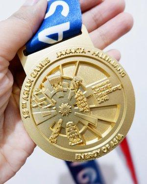 Cabang olahraga terbaru nih banyak-banyak belanja di @metrodept @plaza_senayan bisa dapat medali emas @asean_games2018official.Bangga jadi warga indonesia selaku tuan rumah Asian Games 2018 meskipun sempat berpaling pas oppa donghae perform #sorrysorry, salut buat semua persiapan selama beberapa tahun ini jadi saksi mata Jakarta disulap sedemikian rupa disegala bidang 👏🏻👏🏻.#timetravel #aseangames2018 #indonesia #playwithhappy #neverstopplaying #dearbeautylove #clozetteid #zilingoid #changedestiny #daretobedifferent #borntolead #ajourneytowonderland #like4like #september #2018