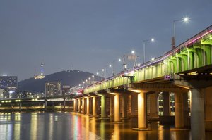 .Jamwon Hangang ParkThe view of the bridge and Namsan Tower is beautiful 🌌 #visitkorea later #ourheartsarealwaysopen .Where : 221-124, Jamwon-ro, Seocho-gu, Seoul.#jamwon #hangang #timetravel #summer #seoul #akudankorea #kekoreaaja #ktoid #wowkoreasupporters #summerinkorea #workwithhappy #playwithhappy #neverstopplaying #dearbeautylove #clozetteid #loveyourself #speakyourself #neverafraid #changedestiny #daretobedifferent #ajourneytowonderland #like4like #august #2020