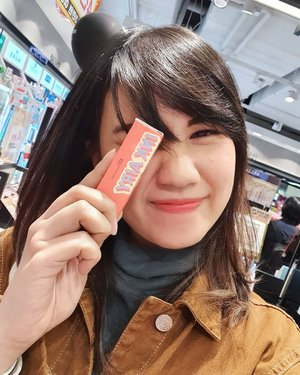 . Happy International Lipstick Day 💄  One of my favorite lipstick from  @peripera.id serindu itu masuk olive young buat belanja eits ngga usah khawatir sekarang udah ada di jakarta 🥰 . #timetravel #peripera #internationallipstickday #playwithbeauty #workwithhappy #playwithhappy #neverstopplaying #dearbeautylove #clozetteid #zilingoid #foodies #foodporn #foodphotography #foodgasm #loveyourself #speakyourself #neverafraid #changedestiny #daretobedifferent #ajourneytowonderland #like4like #withgalaxy #july #2020