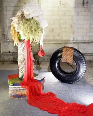 Instillation by Josephine Komara - Tukang Kain Bermain.#privatepreview #martellxbazaar #artxfashion #artexhibition #fashionexhibition #workwithhappy #playwithhappy #playwithstyle #ootd #neverstopplaying #dearbeautylove #clozetteid #changedestiny #daretobedifferent #borntolead #ajourneytowonderland #like4like #november #2017
