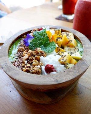 Wayan Bowls, have a good breakfast ❤️ . #wheninbali #explorebali #balilife #pesonabali #pesonaindonesia #nook #nookcafe #nookbali #nookbalirestaurant #goodvibes #holiday #vacation #eatwithhappy #playwithhappy #foodie #foodgasm #foodporn #foodenthusiast #foodlover #ajourneytowonderland #changedestiny #dearbeautylove #clozetteid #july #2017