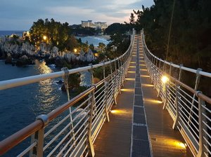 .Can you walk on this bridge along the sea? 🌊  Chuam Suspension Bridge is located near Chotdae Rock, famous as a sunrise spot #visitkorea later #ourheartsarealwaysopen .Where : 28, Chotdaebawi-gil, Donghae-si, Gangwon-do.#gangwondo #donghae #ChotdaeRock #timetravel #summer #seoul #akudankorea #kekoreaaja #ktoid #wowkoreasupporters #summerinkorea #workwithhappy #playwithhappy #neverstopplaying #dearbeautylove #clozetteid #loveyourself #speakyourself #neverafraid #changedestiny #daretobedifferent #ajourneytowonderland #like4like #august #2020