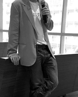 . One fine day with @australiscosmetics_id ✅ Handcrafted ✅ Beauty Talkshow ✅ Demo Make-up ✅ Shopping 💜 Feel Happy Happy . #timetravel #loveaustralis #aluxlifeid #youdeservetobehappy #workwithhappy #playwithhappy #neverstopplaying #dearbeautylove #clozetteid #zilingoid #neverafraid #changedestiny #loveyourself #speakyourself #daretobedifferent #borntolead #ajourneytowonderland #november #2019