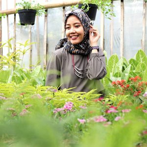 Masih edisi foto bunga. Dibuang sayang soalnya 😁....#instaflowers #garden #gardening #tamanbunga #lembang #starclozetter #clozetteid #lifestyleblogger #indonesialifestyleblogger #momblogger #emakblogger #hijabmom #hijabersindonesia