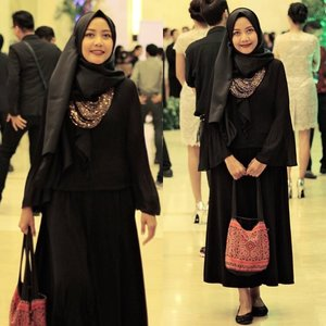 Gala Dinner Zenvolution 2016 @asus_indonesia with my sweet black. ....📷Astari#zenfone3ID #zenvolution #emakblogger #lifestyleblogger #bloggergram #bloggerlife #momblogger #fashionblogger #blackdress #hijabers #clozetteid #starclozetter #hijabersindonesia