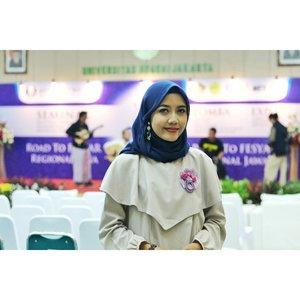 MC-ing today di acara Jakfes, Duta Ekonomi Syariah yang dilaksanakan oleh Bank Indonesia, UNJ, komunitas Tangan Di Atas. . . . . . #MC #MCAcara #MChijabers #MCJakarta #MCTalent #Msahid #starclozetter #clozetteid #Passionpreneur #MCPreneur