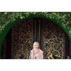 A beautiful gate for Zenvolution 2016 @asus_indonesia ❤️🌹...#zenfone3ID #zenvolution2016 #asuszenfone #clozetteid #starclozetter #emakblogger #bloggerlife #lifestyleblogger #NusaDua #Bali #Bloggerinvitation