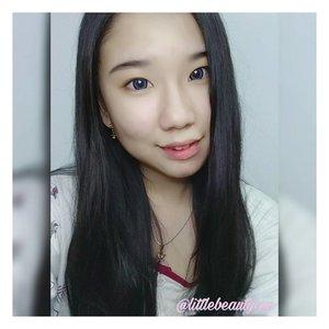 I've reviewed my newest lens from @japansoftlens! Softlens Ageha Icy Grey ini memiliki motif yang cantik dan nyaman sekali ketika dipakai. Diameternya besar dan lingkaran hitam di pinggirannya cukup besar, cocok buat kalian yang mau membuat mata tampak lebih besar. Yuk langsung check the link on my bio 💕 . . . . . . . #instagram #beautygram #beautyreview #selca #selfie #butfirstletmetakeaselfie #makeup #softlens #greylens #softlensreview #japan #japansoftlens #indonesia #beautyaddict #love #makeupjunkie #potd #makeupenthusiast #eyeshadowpalette #eyeshadow #blog #blogger #beautyblogger #ClozetteID