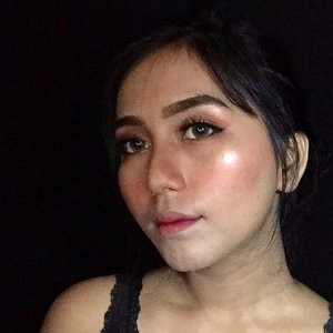 Less light for more . DETS . @maybelline fit me matte + poreless 228 soft Tan  @revlonid colorstay 220 natural beige  @pondsindonesia bb magic powder  @nyxcosmetics_indonesia cheek contour duo palette @wardahbeauty Blush on D  @urbandecaycosmetics single eyeshadow sin  @urbandecaycosmetics all nighter makeup setting spray  @thebrowgal convertible brow by @tonyacrooks @beautyboxind  The one everlasting concealer 31166 light nude @id.oriflame  @luxcrime_id golden eyes ultra palette  @blinkcharm glue lashes  @artisanpro fake lashes 5212&1743  @purbasarimakeupid eyeliner pen black  @zoyacosmetics lip paint Holly berry  @wardahbeauty exclusive matte lipcream hello ruby . . . #makeupaddict #glowingmakeup #bunnyneedsmakeup #indobeautygram #indobeautyblogger #clozetteid #tampilcantik #motd #indobeautysquad #makeupgeek #microinfluencer #influencer #sociollabloggernetwork #beautyid #beautybloggerindonesia #bloggermafia #beautygoersid #wakeupandmakeup #beautychannelid #playinwitharvi #playingmakeupwitharvi @makeupaddict @bunnyneedsmakeup @indobeautygram @clozetteid @tampilcantik @indobeautysquad @bloggermafia @beautygoers @beautychannelid @beautybloggerindonesia