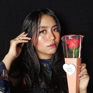 Valentine makeup look 💕  #playingwitharvi #valentine #flower #BeautyBlogger #beautybloggerreview #valentinemakeup #jakartabeautyblogger #bloggerceria #clozetteid #beautyhauls #valentinemakeuplook #pink #red #rose #pinkmakeup #undiscovered_muas #wakeupandmakeup #beautybloggerindonesia #indobeautygram #indobeautysquad #Bloggirlsid #JakartaBeautyBlogger #beautybloggerid #bloggermafia #setterspace #redmakeup #tampilcantik #lfl #rosemakeup #love #lovely