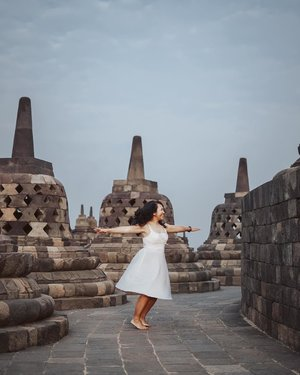 """""""Dance like there's nobody watching, love like you'll never be hurt, sing like there's nobody listening, and live like it's heaven on earth."""" . Best time to enjoy Borobudur Temple is in the morning, just be there and absorb all the beautiful vibes. . 📷 : @overrated_outcast . #TripofWonders #WonderfulIndonesia"""