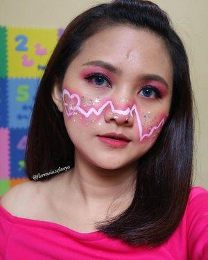 Pink pink pink 💕💕 .  Buat yang lagi ngabuburit, semangat yah tinggal beberapa jam lagi 💪🏻 .  #clozetteid #ngabuburit #makeup #heartmakeup