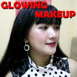 Glowing makeup super gampang..💕💕 .  Produk : 💕 Face mist @damior_official 💕 Primer @catrice.cosmetics 💕 Cushion Shannen ( 02 ) @shannen_pkp 💕 Eyeshadow @altheakorea x BCL 💕 Eyeliner @lakmemakeup 💕 Lipgloss Handaiyan ( untuk blush ) 💕 Lip Paint ( 03 ) @shannen_pkp 💕 Setting Spray @milanicosmetics .  #clozetteid #makeup #makeupglowing #glowingskin #glowingmakeup #makeuppemula #makeupnatural #tampilcantik @tampilcantik #tutorialmakeup #tutorial