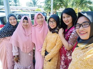 Lama tak jumpa..💃💃.#clozetteid #friends #bestie #wedding