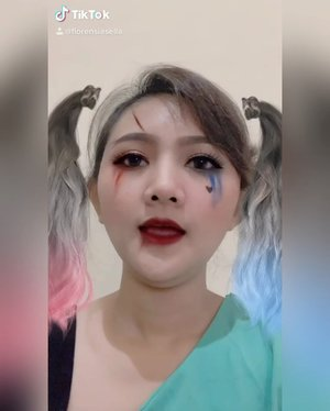 "Receh hari ini... Pengen bikin makeup nya tapi maju mundur, jadi pake filter dulu deh.. 🤭🤭 .  Semoga nanti tiba"" rajin dan bikin video yang bener ya guys 😅 .  Follow tiktokku ya, tapi video ya receh semua sih 🤪 .  #clozetteid #lathichallenge #lathi #makeup #lathiweirdgenius #lathimakeup"