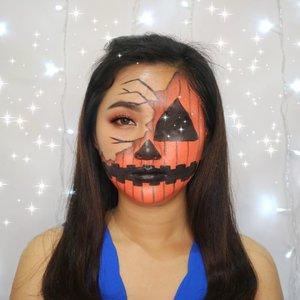 Ini tuh edisi Hallowen sebenernya, tapi baru ke upload sekarang..🤣🤣.Jauh banget yah tanggalnya, tapi kalo gak diupload sayang kan udah bikin..🤪😘.#clozetteid #halloweenmakeup #halloween #artmakeup #makeupart #makeupkarakter