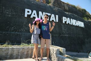 Kalo ke Bali kayaknya gak lengkap kalo gak ke sini..😎😍 .  #clozetteid #pandawa #bali #holiday #latepost #liburan #pantai #pantaipandawa