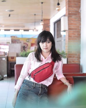 Casually being pinkzzzzzzz in @exsportbags 💞💓💗💖 . . . . . #exsportbags #beoutstanding #creatinggoodness #exsportreformation #exsportlivingmannequin #blogger #fashionblogger #bloggerperempuan #bloggerjogja #ootd #ootdmagazine #chictopia #clozette #clozetteid