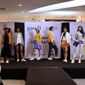 Yesterday's mini #fashionshow � Congratulations @gaudi_clothing x @havaid for the new store at Malioboro Mall Yogyakarta! Thank you for the hype and huuugggeee discounts! ��� P.S they're currently having massive discounts for selected items! Shop, shop, shoooppppp! 😘😘😘 . . . . . @clozetteid #gaudihava #gaudihavaopeningcelebration #gaudiclothing #gaudiclothingindonesia #havaid #havaindonesia #clozette #clozetteid #blogger #fashionblogger #bloggerjogja #nikonindonesia #nikonfashion