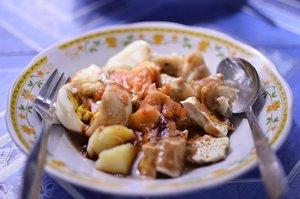 Another snack time 😋😋😋 Siomay pinggir jalan di sekitar Alun-alun Salatiga 🍴🍴 . . . . . #brunch #food #snack #foodporn #foodgram #foodgramyk #foodphotography #traditionalsnack #siomay #clozette #clozetteid #salatiga #exploresalatiga #explorejateng