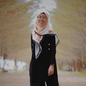 anggep ajaa lokasi di korea... 😃😃 . . . . . scraft by @pnjboutique . . #ceritaraju #clozetteid #pnjboutique #lookbookindonesia ootd #ootdhijab #ootdindo  #pnjboutique #denim #hijabstyle #hijabfashion #rajustyle  #rajukeliling