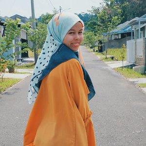 ANGEN...scraft by @trinycta ...#ceritaraju #clozetteid #scarftprinting #voal #hijabstyle #lookbookindonesia #hijabers