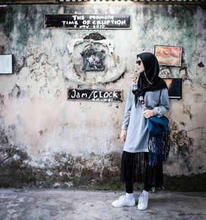 - The Moment -  Jam ini saksi nya saat terjadi nya erupsi. . . #ceritaraju #clozetteid #rajukeliling #lavamerapitour #yogyakarta #backpacker #INDOTRAVELLERS #solotraveler #travelblogger #traveling #exploreindonesia #wonderful_places  #WorldTravelIG