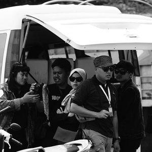Tercydux.. gini deh tampang klo lg diem. muka judes dengan segala ekspresi yang ga terkontrol 😅😅 ...candid nya @gumilar_mk...#ceritaraju #makassar #katakanputus #candid #clozetteid #blackandwhite #photography