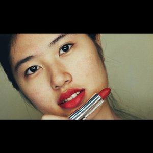 Cherry chic...#clozetteID #beautnyesia #cherrychic #byeheavymatte #maybellinepowdermattes #maybelline