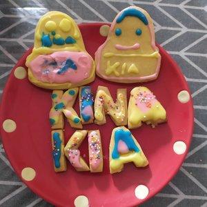 Kreasi bersama kiddos. Mama bertugas baking cookies, kiddos berkreasi mendekorasi cookies ❤️.#decoratingcookies #SmartMumsID #clozetteid