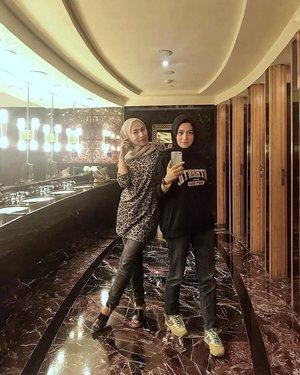 Bathroom selfie....#ClozetteID #ShoxSquad #personalblogger #personalblog #indonesianblogger #lifestyleblog #Hijab #likeforlikes