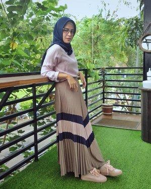 Happy Saturday gaesss ❤️.....#ClozetteID #ShoxSquad #personalblogger #personalblog #indonesianblogger #lifestyleblog #Hijab #likeforlikes