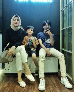 I don't need too many people to be happy, I only need them ♥️....#ClozetteID #mysons #happymother #proudmother