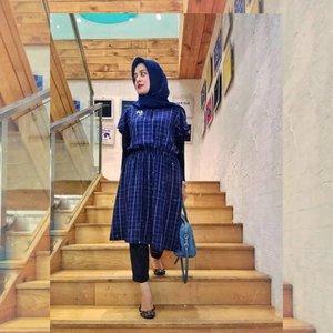 Niat ke PRJ gatot! Maceeet gaes kearah PRJ, jadi anak2 diajak nonton sajalah. . . . . #ClozetteID #ShoxSquad #personalblogger #hijabbloggers #ootdHijab #likeforlikes