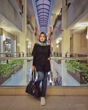 It's Fri-Yay gaess, time to movie date 🎬....#ClozetteID #ShoxSquad #personalblogger #personalblog #indonesianblogger #lifestyleblog #Hijab #likeforlikes