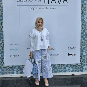 Launching Capsule Collection Sapto For Hava.  Introducing the exclusive collection from Have and Sapto Djojokartiko for modest wear with contemporary design and Indonesian value. Designed for total comfort, style and functionality.  Get these collection in Hava Store.  #ClozetteID #SaptoForHava #HavaIndonesia #ClozetteIDxHava @clozetteid @Havaid