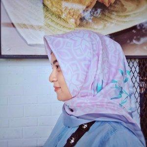 Lovely pastel color.  Hijab by @zadena.shop . . . . . . . . . . . . . . . . #clozetteID #LYKEambassador #Blogger #indonesianblogger  #FashionLovers #LifeStyleBlogger #beautyblogger #indonesianbeautyblogger #indonesianfemaleblogger #femaleblogger #like4like