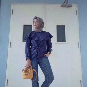 Biru lagi biru lagi bajunya ....#ClozetteID #ShoxSquad #personalblogger #personalblog #indonesianblogger #lifestyleblog #Hijab #likeforlikes