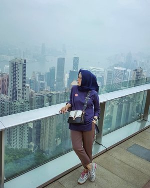 Beautiful #HongKong from top #BachtiarsHoliday #HK2018 . . . . . #ClozetteID #shortgateway #gateway #holiday #familyholiday #personalblogger #personalblog #IndonesianBlogger #lifestyleblog #Hijab #Hijabootd #likeforlikes