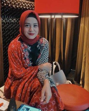 Selamat Hari Kartini perempuan Indonesia, pipiku chubby sekali disini 😁😁...#clozetteid #personalblogger #personalblog #likeforlikes