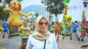 Karnaval #HongKong . . . #ClozetteID #shortgateway #gateway #holiday #familyholiday #personalblogger #personalblog #IndonesianBlogger #lifestyleblog #Hijab #Hijabootd