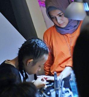 Nail art, because girls just wanna have fun #irwanteam #cnd #cndindonesia  @clozetteid @irwanteamhairdesign @cnd_indonesia . . . . . . . . . . . . . . . #clozetteid #makeup #fashion #lifestyle #Blogger #indonesianblogger #BlogReview #beautyenthusiast #FashionEntusiast #BeautyLovers #FashionLovers #LifeStyleBlogger #beautyblogger #indonesianbeautyblogger #indonesianfemaleblogger #femaleblogger #indobeautyblogger #LifeIsGood #enjoylife #Like4Like