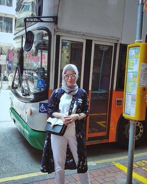 HongKong Bus 🚌🚌#BachtiarsHoliday #HK2018 ....#ClozetteID #shortgateway #gateway #holiday #familyholiday #personalblogger #personalblog #indonesianblogger #lifestyleblog #Hijab #Hijabootd #likeforlikes