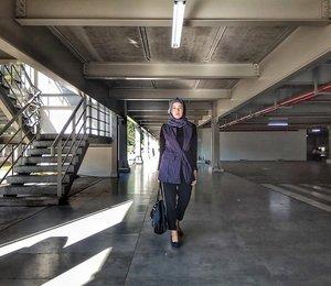 Kamis Manis cari Yang kinyis kinyis sis 🤪...#ClozetteID  #personalblogger #personalblog #indonesianblogger #lifestyleblog #Hijab