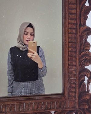 Mirrors show us what we look like, not who we are.So, don't take mirrors too seriously.Your true reflection is in your heart. ....#ClozetteID #personalblogger #personalblog #indonesianblogger #lifestyleblog #Hijab #likeforlikes