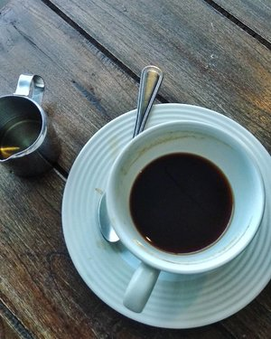 Half cup of black coffee on Friday noon #TGIF...#RandomPic #blackcoffee #Clozetteid #MongkokHongkong #personalblogger #personalblog #likeforlikes