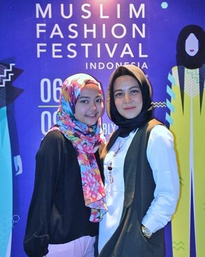 Kemarin di #Muffest2017 ketemu si imut @irmatric ...nice to see u again cantik. Semoga bisa ketemu di event lain yaaa 😘😘😘 . . . . . . . . . . . . . . #Muffest2017 #teambarliasmara #clozetteid #ootd #fashion #lifestyle #Blogger #indonesianblogger #BlogReview #beautyenthusiast #FashionEntusiast #BeautyLovers #FashionLovers #LifeStyleBlogger #beautyblogger #indonesianbeautyblogger #indonesianfemaleblogger #femaleblogger #indobeautyblogger #LifeIsGood #enjoylife #Like4Like