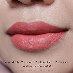 Aku malah suka yang ini sis @tikarahayu.ners, velvet matte lip mouse Cherish Marmalade dari @wardahbeauty. . . #clozetteid #makeup #lip #lipswatch #liptint #lipcream #wardahbeauty #wardahlipcream