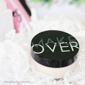 what's lighter than @makeoverid translucent powder. . .? . . review di blog rahmaediary --> http://bit.ly/MObedak link hdiup di bio #clozetteid #makeup #LoosePowder #makeoverid #instagood #beauty #beautyreview #beautygram #indobeautygram #beautyblogger #bloggerlife #bloggerindonesia #instadaily #instabeauty #indonesianbeautyblogger #bloggerperempuan #indonesianfemaleblogger